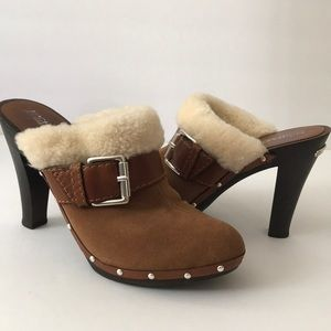 🎉2X HP🎉 Michael Kors Suede & Shearling Clogs